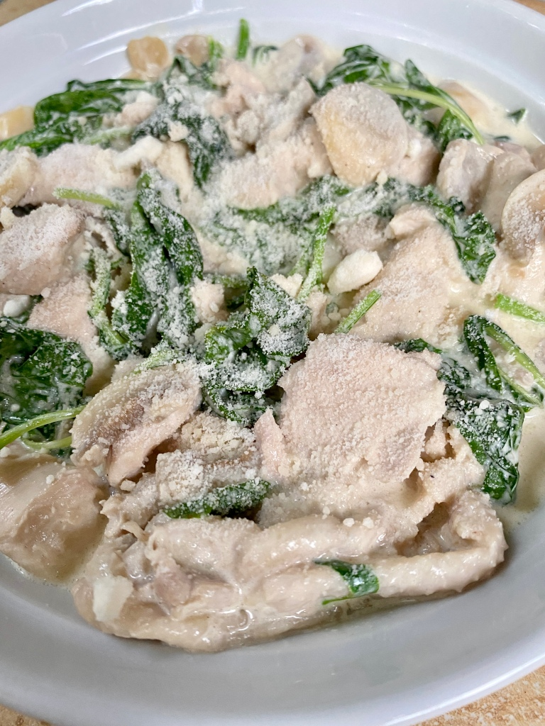 Creamy spinach and chicken recipe cooked in less than 30 minutes
